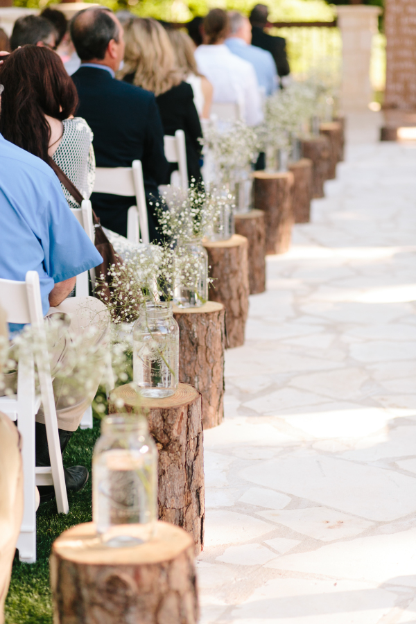 5 Must Have Elements For A Rustic Wedding Delegate
