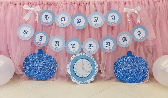 Fairytale-Princess-themed-1-year-old-Birthday-Party-Photography-14