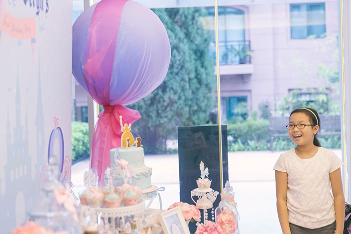 Fairytale-Princess-themed-1-year-old-Birthday-Party-Photography-25