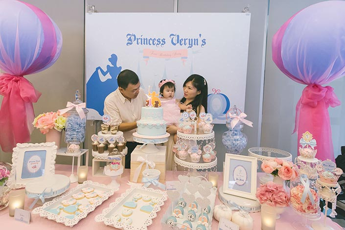 Fairytale-Princess-themed-1-year-old-Birthday-Party-Photography-43