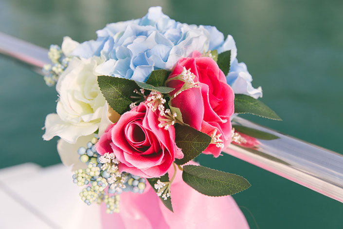 Wedding-Day-Photography-on-Blue-Mountain-Yacht-at-One-Degree-15-011