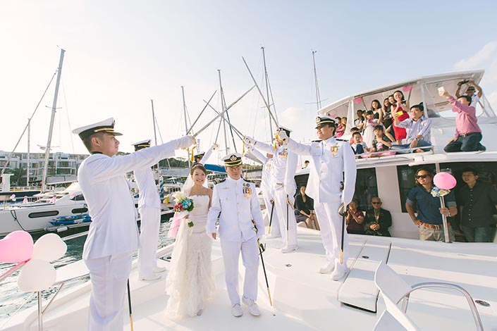 Wedding-Day-Photography-on-Blue-Mountain-Yacht-at-One-Degree-15-018
