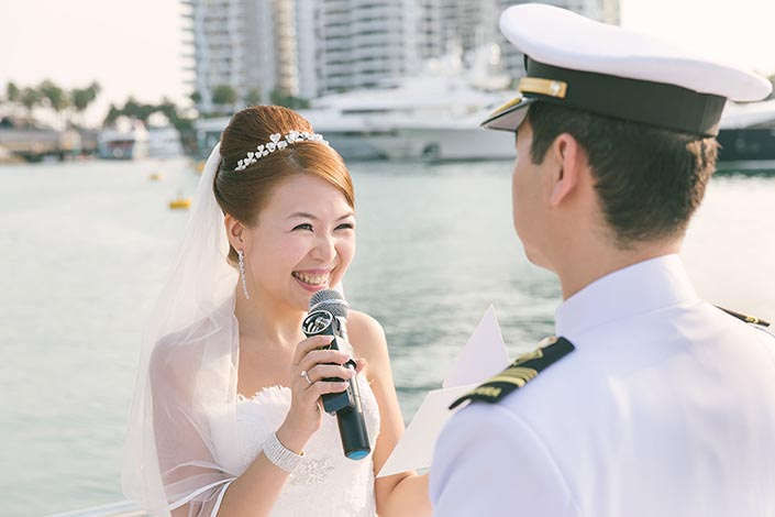 Wedding-Day-Photography-on-Blue-Mountain-Yacht-at-One-Degree-15-019