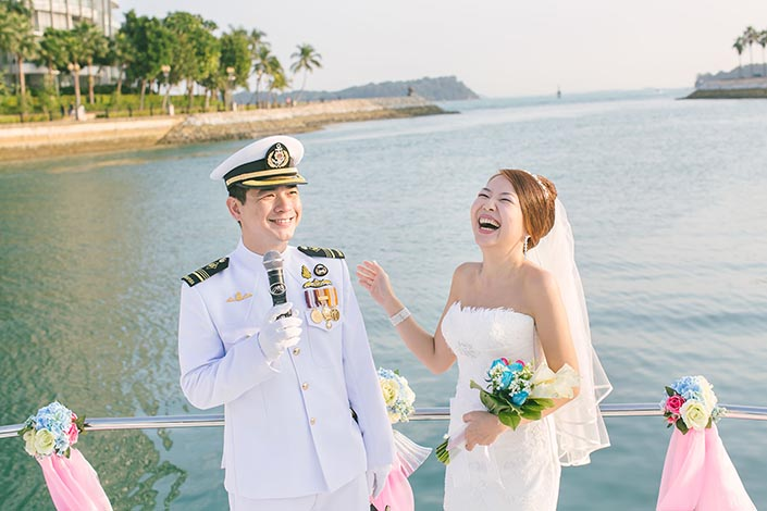 Wedding-Day-Photography-on-Blue-Mountain-Yacht-at-One-Degree-15-025