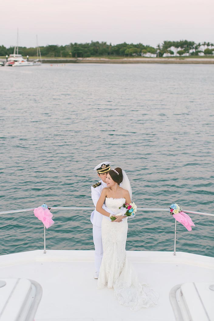 Wedding-Day-Photography-on-Blue-Mountain-Yacht-at-One-Degree-15-035
